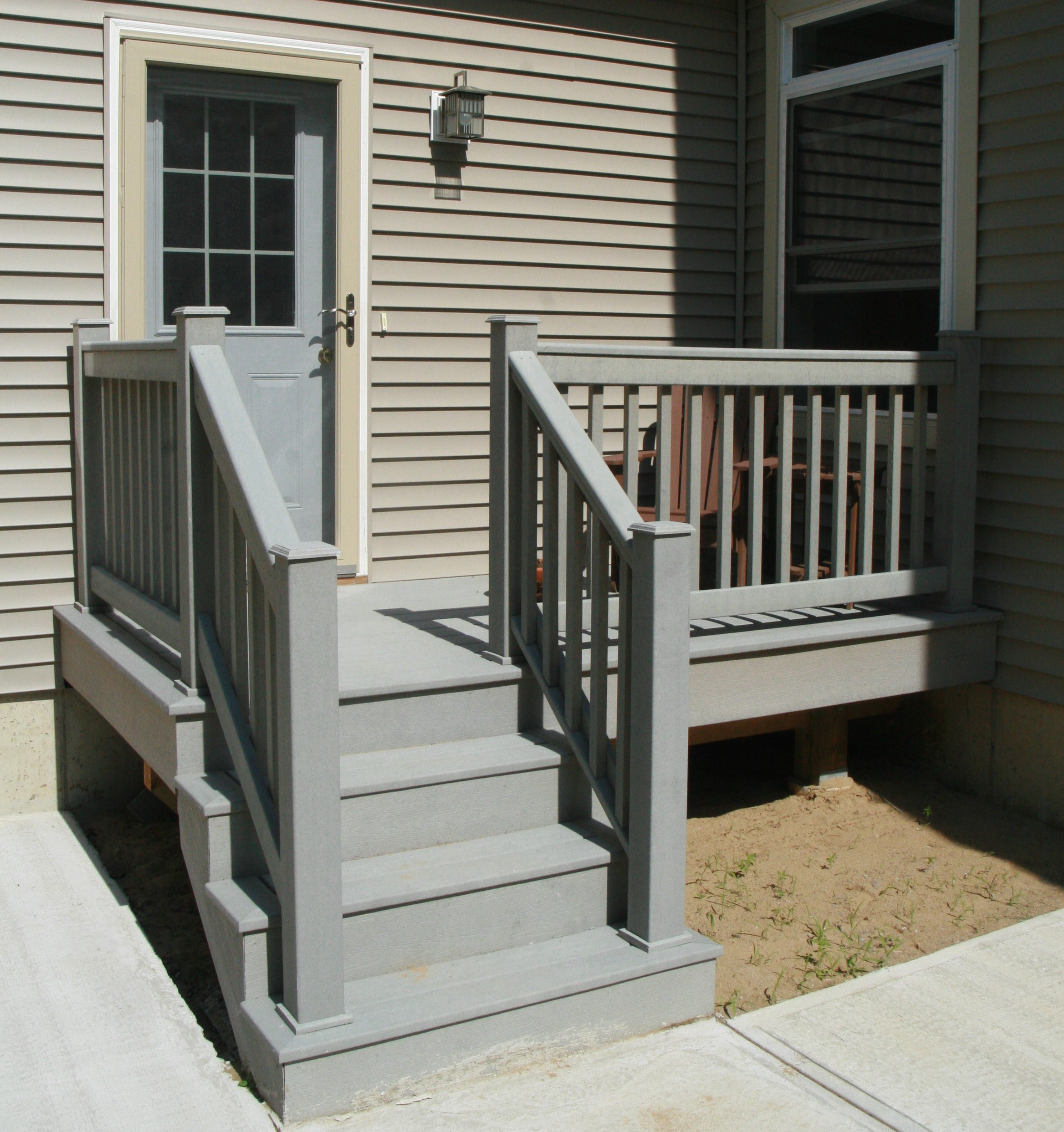 Small home exterior design prefabricated porch steps for Front entry decks